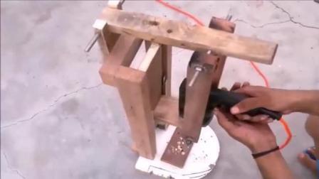 把电钻固定在木架上能干啥, 这创意没谁了