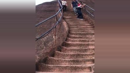 论下台阶, 我只服这位大哥, 这速度, 我反正做不到!