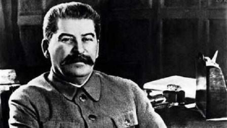 斯大林一个命令, 让希特勒无辜帮他背了50年锅