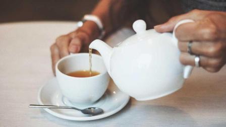 你只知道喝茶好处多, 却不知喝茶的副作用, 这些禁忌一定要了解