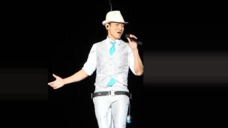 1993年劲歌金曲, 刘德华献唱《谢谢你的爱》, 一身白西装像个白马王子