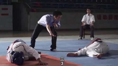 跆拳道男女激烈对打,实力明显差距,但结果却出乎意料!