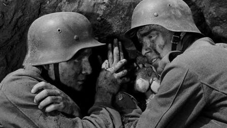 几名坚守桥头的德军, 遭美军坦克重炮火攻击