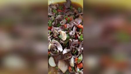 猪腰瘦肉炒青椒 土豆片 红萝卜丝 粗粮麦通#吃秀#