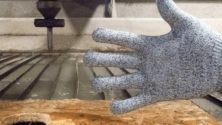 刀都切不开的手套遇到加压400兆帕的水这下场? 这威力有目共睹!