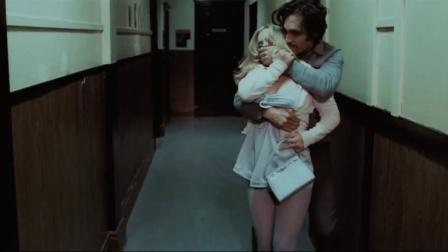 《水牛城66》为骗父母带女友回家 比利绑架美女冒充