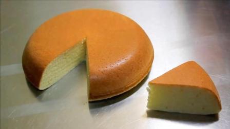 没想到电饭煲做蛋糕这么简单, 做出的蛋糕松软可口, 比买的还好吃