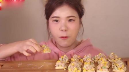 美女吃金枪鱼饼, 一次吃好多吃个痛快