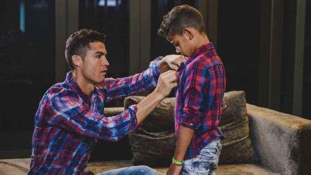 带儿子去约会, 和儿子比肌肉, 这个C罗不一样!