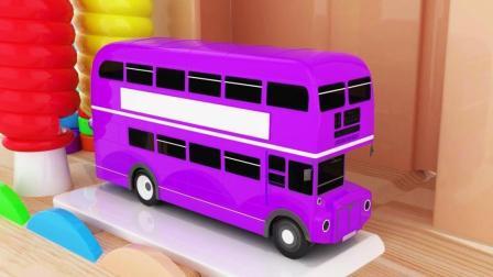 卡车和双层巴士在染池染上颜色