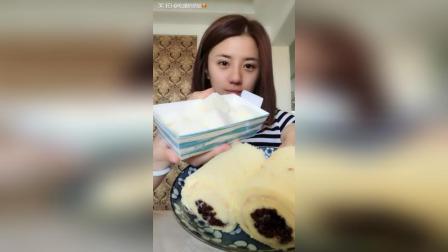 奶油大福椰蓉小方肉松夹红豆卷青汁蜂蜜#吃秀#