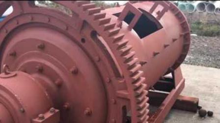 1年消耗5000万吨耐磨钢球, 这机器威力太猛, 人掉进去可不得了!