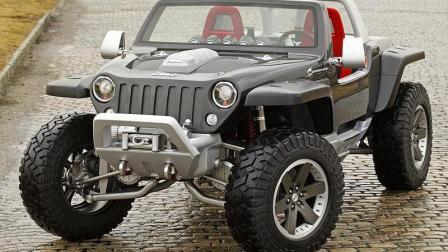 这车要逆天, 四个车轮能自己转向, 两个发动机还能爬墙!