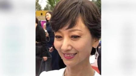 64岁的赵雅芝真实面容曝光, 终于变老了, 网友却直呼真接受不了!
