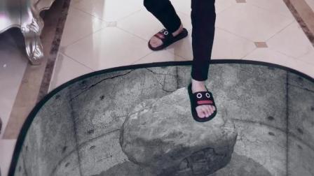 拖鞋有它自己的想法。