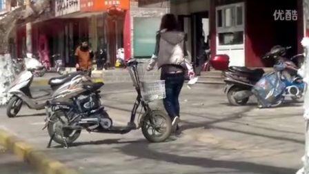 郑州街头惊现屁股沟妹