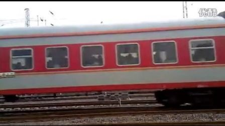 K551次列车正点进入济南站