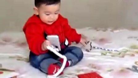 史上最可爱的小孩抓周抓出无厘头   xuezi.pro