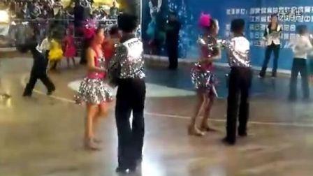 日照飞旋艺术培训学校-郑智文吴美洲(2012年连云港.部分城市体育舞蹈公开赛)