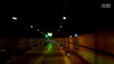 """雅西高速""""云端上的高速公路""""干海子特大桥双螺旋爬升隧道隧道"""
