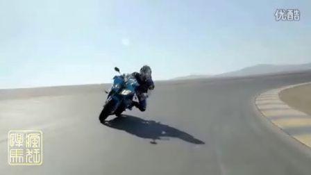 2012 超级摩托车对决:宝马 S1000RR vs 杜卡迪 1199 Panigale