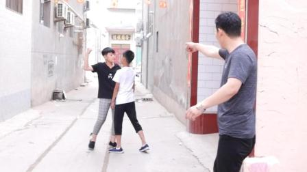 学生打架, 这位怪老师的做法让孩子受益终生, 让人深思!