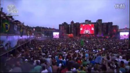 {Topdj100.com}顶级DJSkrillex Tomorrowland 2012