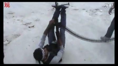 叙反对派机枪射直升机