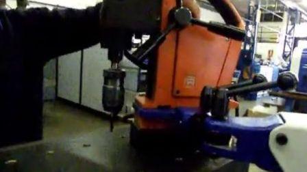 3ARM 助力机械手 - 搭载磁座钻 磁力钻