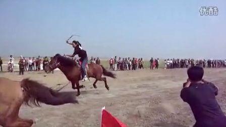 镇赉县第二届敖包民乐节暨哈吐气蒙古族乡成立55周年庆祝大会--女子赛马