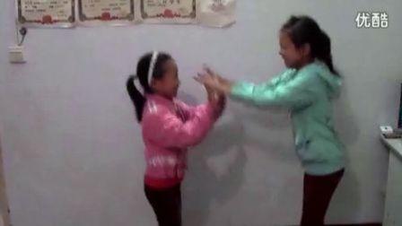 【拍客】小学女生组合版《江南STYLE》