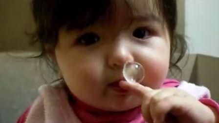 天使也有囧时候,鼻涕不是用来吃的亲!