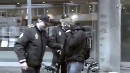 在丹麦街头骑车,莫名其妙被交警拦截..