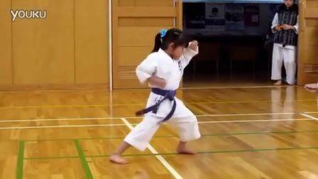 日本五岁小萝莉空手道考试
