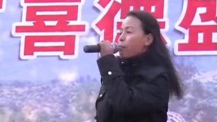 """""""地摊姐""""黄丽娟激情演唱""""拥抱明天"""""""