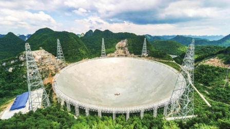 """中国""""天眼""""望远镜有多猛? 一眼看穿130亿光年, 霍金曾多次反对"""