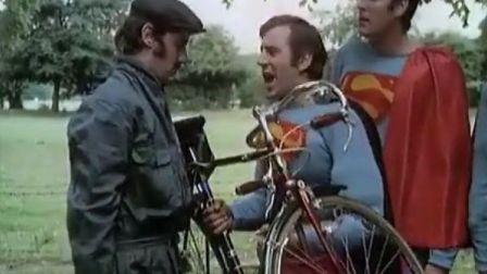 修自行车的超人