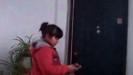 【拍客末日视频日记】21日7:30女儿吃完早饭准备出发上学