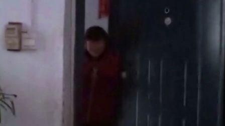 【拍客末日视频日记】21日7:31女儿上学走了和爸爸再见