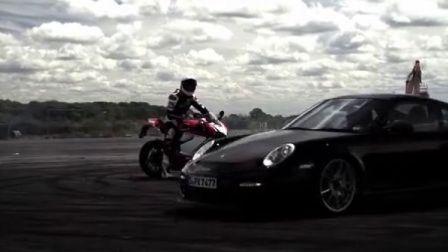 保时捷和杜卡迪的角斗 Porsche GT2 RS v. Ducati 1199 Panigale
