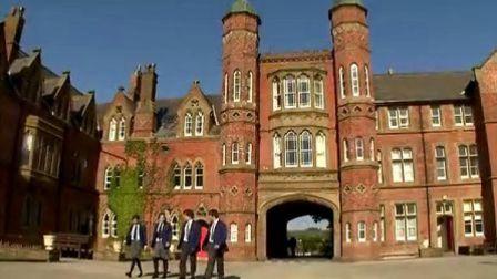 英国著名中学(罗萨尔上部)