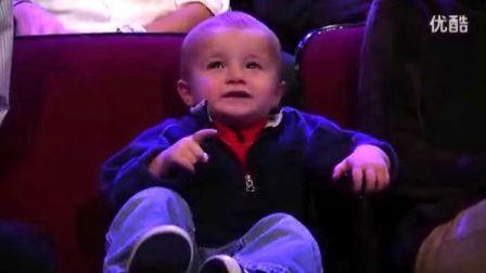 Jimmy Kimmel PK 两岁篮球神童[中英字幕-闻风听译]