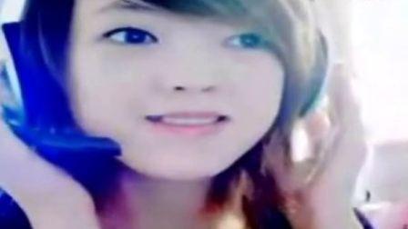 可爱美女翻唱歌曲《依恋》视频
