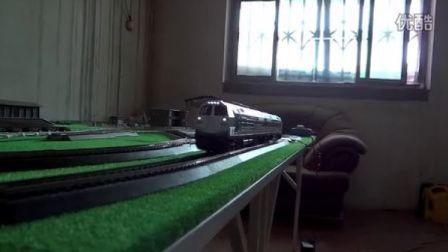 新组合!白色版NJ2青藏线机车双机重联低速运行