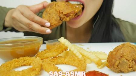 国外吃货微笑姐, 吃酥脆的炸鸡, 洋葱圈, 发出咀嚼声, 吃的太香了