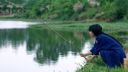 李子柒古香古食 第一季 第50集 吃掉一只优秀的小龙虾 每一口都是小时候的味道