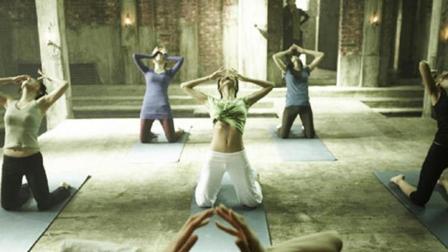 小涛电影解说: 7分钟带你看完韩国恐怖电影《瑜伽学院》