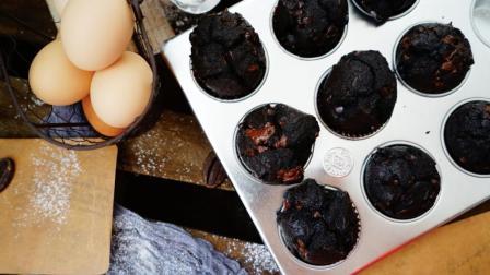 我的日常料理 第一季 用这个配方可以制作出完美口感的马芬蛋糕:浓郁黑巧克力马芬蛋糕