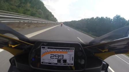 雅马哈R1爆表追不上川崎ZX10R