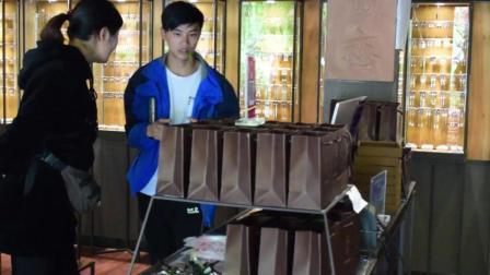 来丽江旅游一定要去看看当地的纳西族文化, 非常有特色